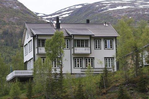 BASE: Laksforsvillaen var base da kongen fisket i Laksforsen.