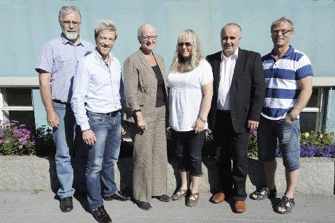 STÅR SAMMEN: Dette er aktørene som skal jobbe målrettet med kompetanseheving på Helgeland. Fra venstre Martin Flå (Torgar), Bjørn Audun Risøy (Kunnskapsparken), Monica Meisfjordskar (RKK), Astrid Bjørkan (Torgar), Sten Rino Bonsaksen og Trond Andersen (MRK).