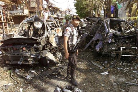 BALI: Det var etter dette voldsomme terrorangrepet mot turister på Bali i 2002 at Jemaah Islamiha ble kjent for sine hensynsløse metoder. 202 mennesker ble drept i dette angrepet som ble fulgt opp av en rekke liknende angrep i Sørøst-Asia.
