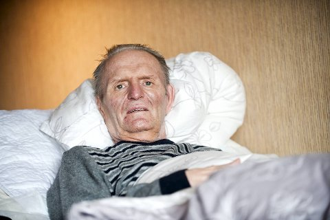 Konrad Lyssand lå med samme laken i tre måneder.