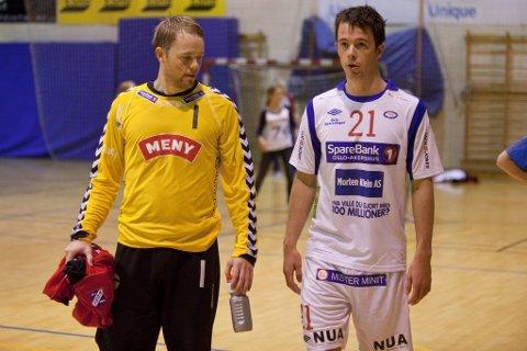 Tapte: Fram og Arne Veum (t.v.) fikk bank av Vålerenga og lillebror Erik Veum i gårsdagens serieåpning i håndballens 1. divisjon. (Foto: Peder Torp Mathisen)