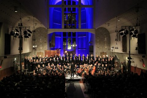 Majestetisk. Stort kor, stort orkester - det meste er stort med Bachs juleoratorium