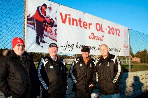 Denne gjengen gjør dugnad for Brevik Olympiske Komité, og nå planlegger de og forbereder stadion til Vinter-OL i februar. Willy Sjøstrøm, Tore Fosse, Tom Gundersrud og Ole M. Bolstad.