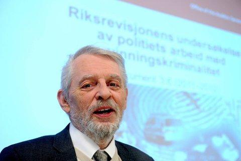 Riksrevisor Jørgen Kosmo la fram en rapport om vinningstyveri tirsdag.