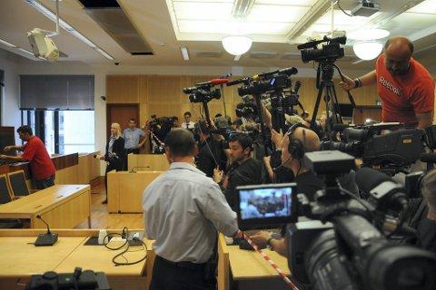 Det var et massivt medieoppbud da Kim Heger leste opp kjennelsen fra det forrige fengslingsmøtet.