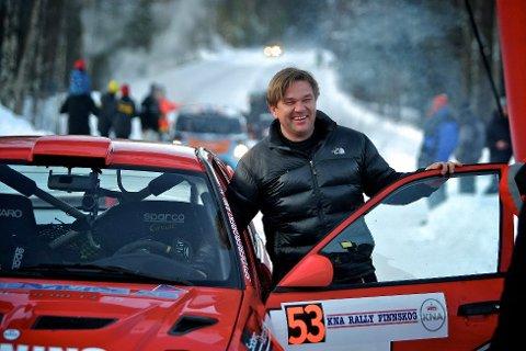 FÅR KJØRE: Henning Solberg har finansene på plass til å stille i Rally Sweden. ARKIVFOTO