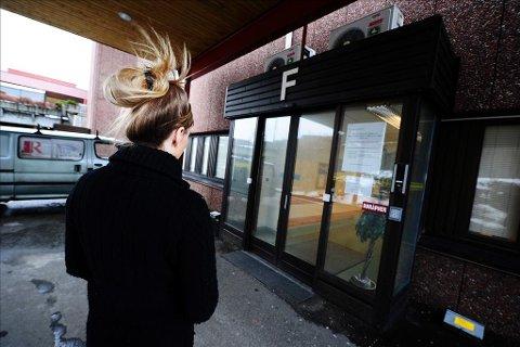 Rystet: Moren til 19-åringen er rystet over behandlingen datteren fikk på den kommunale legevakten i Kristiansund. Foto: Trygve Strand Joakimsen