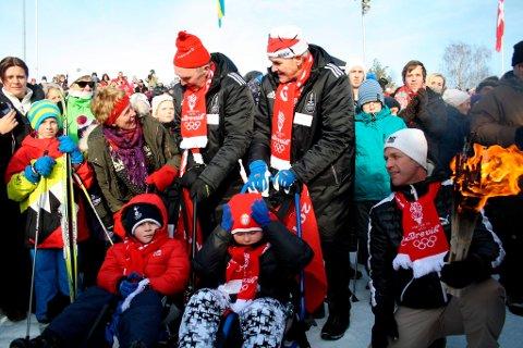 Gjermund Eggen synes det var en rørende opplevelse da brødrene Daniel og Simen Andersen fra Stathelle kom med fakkelen til OL-stadion på Furulund under åpningsseremonien. Brødrene ble kjørt på slede rundt stadion av Odd Martinsen og Gjermund Eggen.