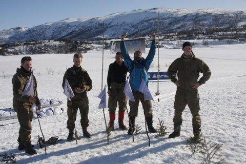 Team Dale Oen kan juble etter å ha plantet de første flaggene