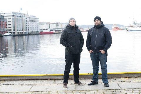 Tommy Svanevik og Carl-Robert Larsen mener det endelig er bevist at de kan kjøre scooter lovlig.
