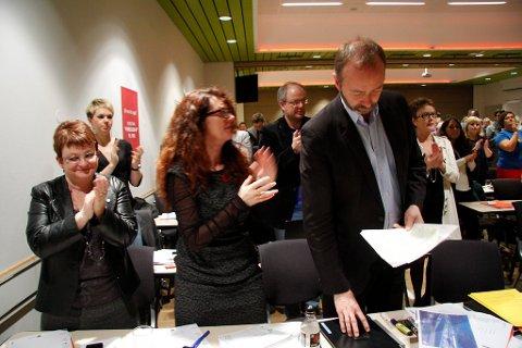 AP-årsmøte: Frå venstre Åshild Kjelsnes, Kristin Maurstad, Ingrid Heggø, Hilmar Høl, hovudgjest Trond Giske og Sonja Edvardsen.