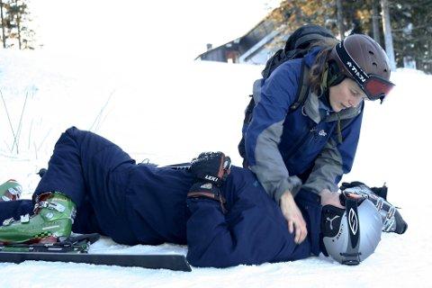 70 prosent av hodeskadene som oppstår i alpinbakken kunne vært unngått om de skadde hadde brukt hjelm.