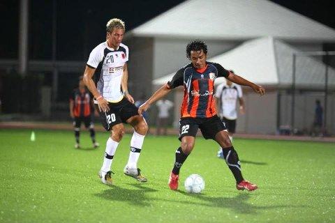 Stig Morten Edvardsen fra Sandnessjøen er  i Thailand for å spille fotball.