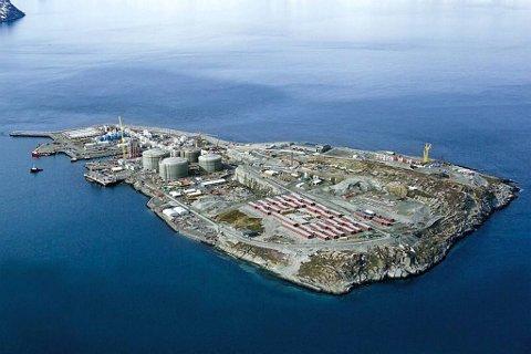 Vil du ha jobb i Nord-Norge - her representert ved Statoils anlegg på Melkøya - bør du tenke deg godt om før du søker høyere utdanning.