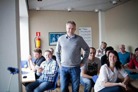 Yngve Årdal fekk applaus då han vart presentert som ny ansvarleg redaktør på eit personalmøte måndag.