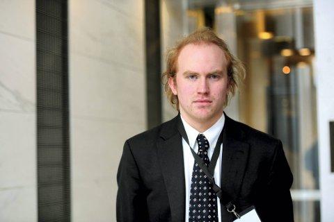 Ihler fortalte da han vitnet i retten at han fra langt hold så en person ble skutt på Utøya. Han visste ikke da om dette var med ekte våpen eller for eksempel med paintballgevær.