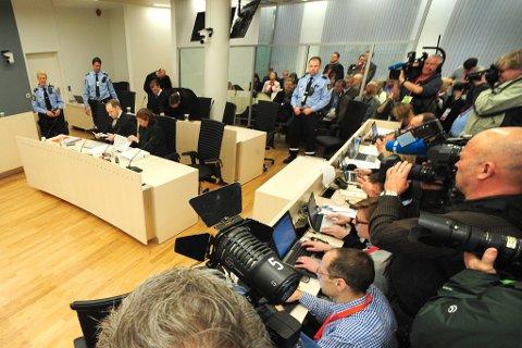 Marte Fevang Smith (18) og ti andre AUF-ere bestemte seg for å spille død for å slippe unna Anders Behring Breivik.