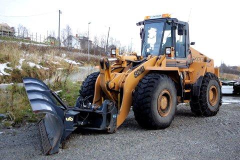 ILLUSTRASJONSBILDE: Hjullasteren på bildet er ikke identisk med den som ble kjørt på trafikkfarlig måte på vei mot Vadsø.