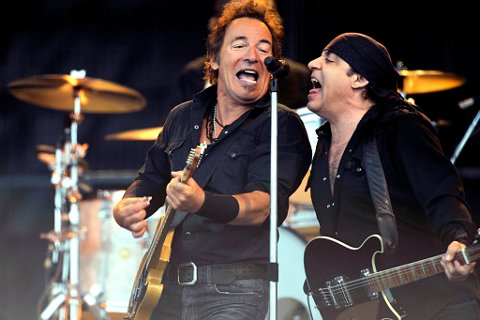 Det er solgt 84.000 billetter til Bruce Springsteens konserter i Norge. Som vanlig har The Boss med seg Little Steven på laget.