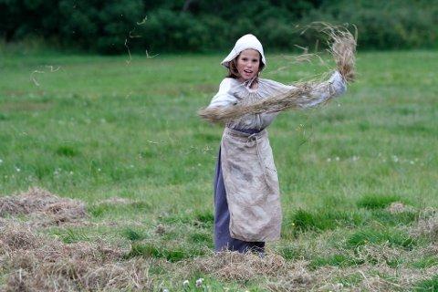 Mange barn hadde roller i årets oppsetting av Gurispelet. Her er Elise.