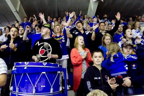 Blue Warriors-leder Frode Jørgensen har et lønnlig håp om at de blåhvite fra Sarpsborg skal sette ny publikumsrekord i Halden Ishall når Sparta har sesongens første istrening i nabobyen lørdag 4. august. Dette bildet er fra tilsvarende arrangement i Sparta Amfi i 2010. (Foto: Christoffer Andersen)