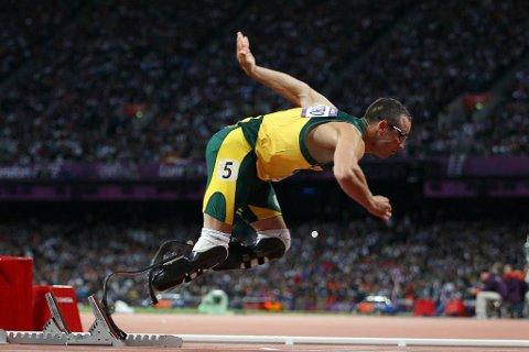 Oscar Pistorius ble sist i OL-semifinalen på 400 meter søndag.