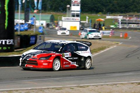 Alexander Hvaal under kjøring på Valkenswaardbanen i Nederland lørdag.