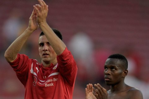 Vedad Ibisevic og Ibrahim Traore jubler etter 2-0 mot Dinamo Moskva.