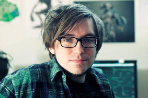 I SPILL: Filip Lange-Nielsen (28) fra Gjøvik måtte til Danmark for å formalisere sin interesse for spill.