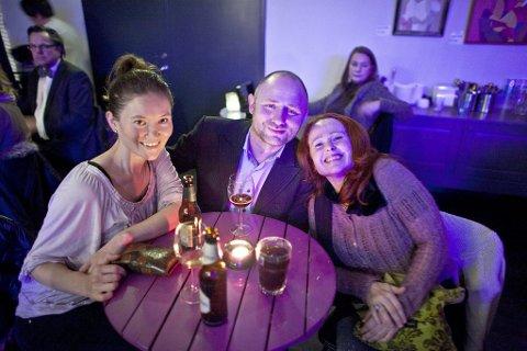 Gledet seg: Sakura Haug, Geir Larsen og Marianne Olsen så fram til en flott kveld med god jazzmusikk.