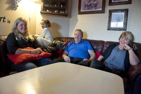 Leif Inge og Trude Herner, datteren Lene Sofie og barnebarnet Lea Michelle vil ha besøk på julaften.
