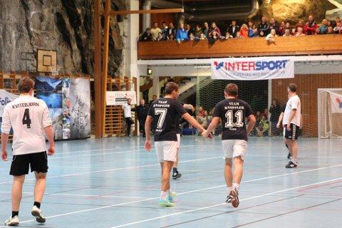 LETT FINALE. Team Knopfler scoret sju mål i finalen og vant 7-2 og Hardanger Futsal.