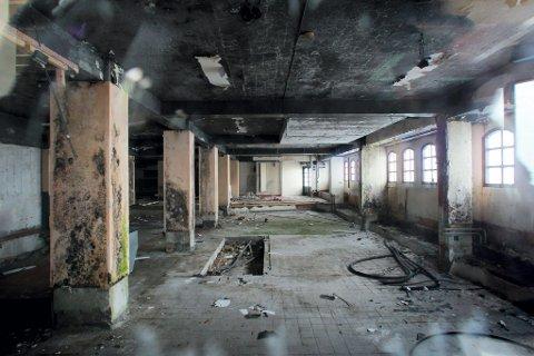 I STERKT FORFALL: Palace-gården er i dag et trist syn og nå verdsatt til mindre enn én tredel av hva den ble solgt for i mars 2010. Eierselskapet er tvangsoppløst og følgelig konkurs.