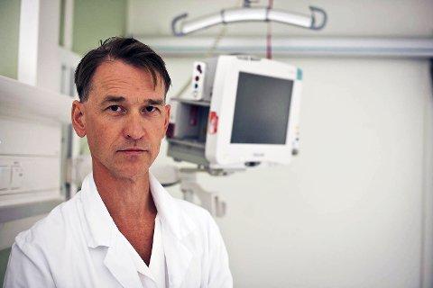 Seksjonsoverlege Steinar Skrede sier det vil gå noen dager før de vet om noen av pasientene har svineinfluensa.