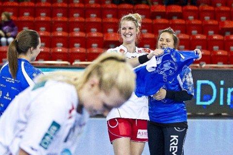 I tenkeboksen: Pernille Wibe vurderer om hun skal forlenge kontrakten med LHK eller ikke. En avgjørelse henger i utgangspunktet ikke sammen med hvilke spillere som eventuelt kommer inn, bedyrer 24-åringen. (Foto: Mats Grimsæth)
