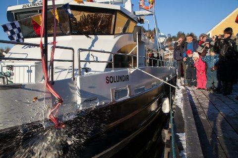 Tysdag 22. januar var det dåp for nyebåten i Ytre Solund og Gulen, katamaranen Solundir.