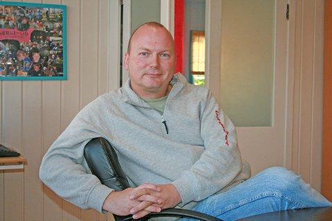 Ken-Børre Langås, leder for ungdomsklubbene i Ås. (Foto: Emma Mary Garlant).