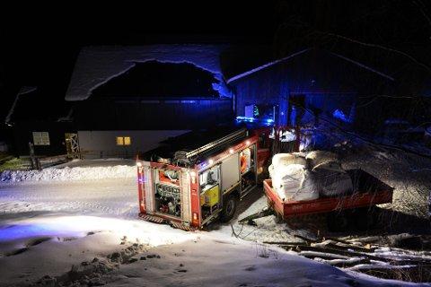 Heldigvis gikk det bra på Søre Klomstad i Kvam i kveld. Folk på garden fikk slokket branntilløpet.