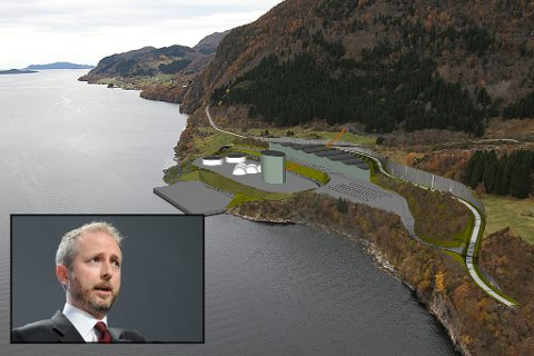 Miljøvernminister Bård Vegar Solhjell seier førebels nei til gruvedrift. - Det ligg ikkje føre tilstrekkeleg grunnlag til å treffe avgjerd i Engebøsaka, skriv Miljøverndepartementet i ei pressemelding.