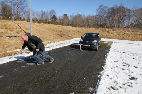 TUNGE TAK: Bjarte Selvik legg seg i selen. Han kjempa i tetsjiktet, men vart hakket for svak...