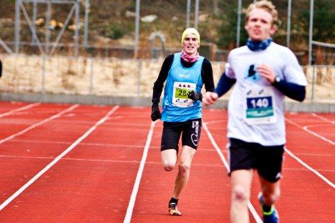 Marius Vedvik var i ein eigen klasse på 10 km, og sette ny rekord.