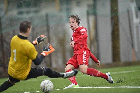 Bård Finne scoret Branns utlikkningsmål etter 16 minutter mot Øystese.