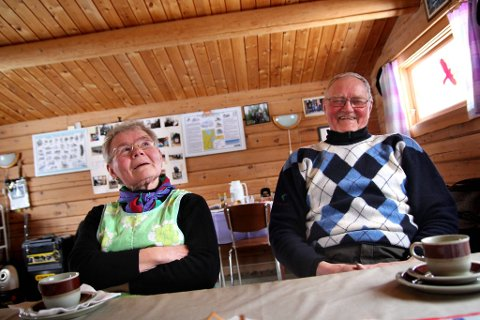 GODT HUMØR: Smilende og alltid med en kommentar på lur. Det er slik folk kjenner Edith og Svenn Randa. Nå er livet deres blitt til dokumentar.