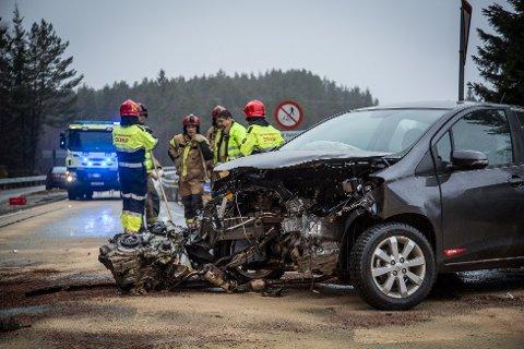 GJEKK BRA: I denne ulykka i januar 2013 gjekk det bra, men det har vore mange styggee ulykker på E39 og FV. 57 dei siste åra. 14 liv har gått med.