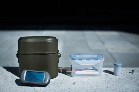 Ulike varianter: Cachene er ofte bokser i ulikt format. GPS må til for å lokalisere dem.