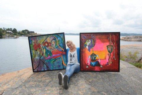 Utstillingsklar: Isabel Blanco er klar med sin utstilling «Mind Warriors» i Bølgen fra 1.- 18. august. Håndballspilleren har hatt kunstmaling med seg i nærmere ti år etter at hun gikk på kunstskole i Aalborg. Motivene er skapt fra fantasifigurer satt inn i hendelser og erfaringer med egen indre dialog. (Foto: Torgrim Skogheim)