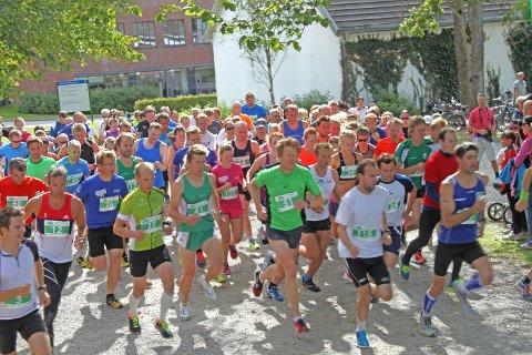 Klokka 13 på søndag løp deltagerne i senior-klassen ut på den 10,5 km lange løypa.
