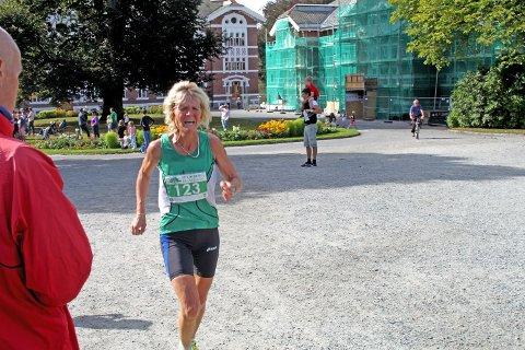 Evigunge Jorun Rekkedal fra Ås kom inn på andre plass, bare noen sekunder bak vinneren.