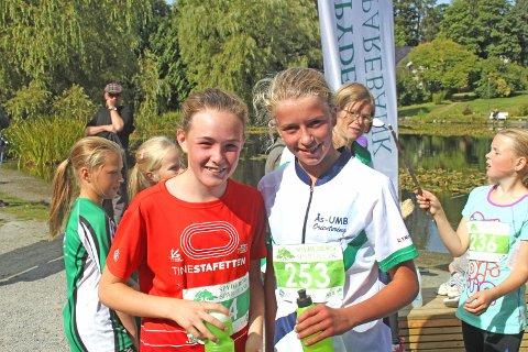 Mina Lilleheie (13) og Kjersti Lundquist (13) fra Ås IL var yngste deltagere i langløpet på 10,5 km. - Det var tungt med det gikk greit, var deres dom over løypa.