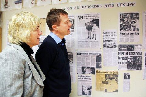 Nåværende og tidligere rektor på Stakkevollan skole Kent Roger Johansen og tidligere rektor Lise Arntzen.